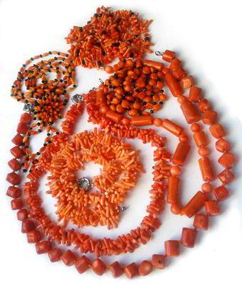 Украшения из натурального оранжевого коралла