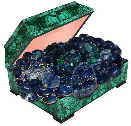 Бусы из натуральных камней лазурит и содалит купить в Украине в интернет магазине. Лазурит и содалит фото и свойства.