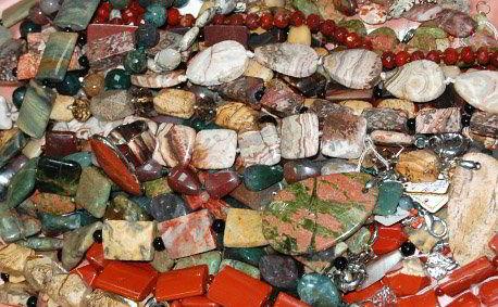Украшения из натурального камня яшма купить в Украине