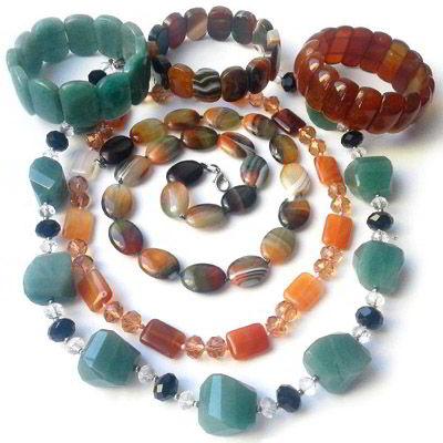 Украшения из натуральных камней для знака Зодиака Дева